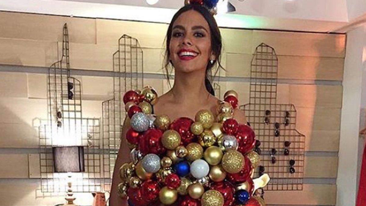 Cristina Pedroche, 'en bolas' para felicitar la Navidad