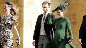 Pippa y su marido, James Matthews, llegan a la boda de la princesa Eugenia de York, el pasado viernes.