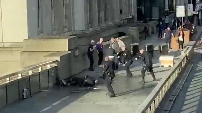 Dos morts i tres ferits en un atac terrorista a Londres