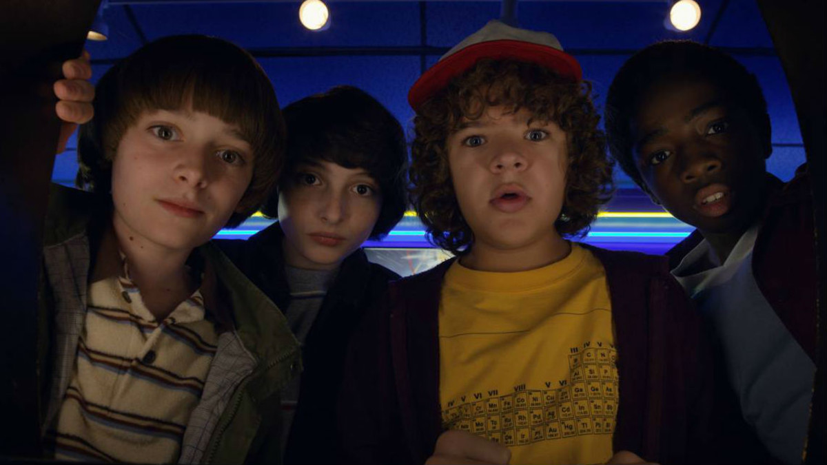 De izquierda a derecha, Will (Noah Schnapp), Mike (Finn Wolfhard), Dustin (Gaten Matarazzo) y Lucas (Caleb McLaughlin).