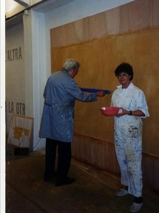 Ràfols-Casamada, en una de les fotos personals barrejades amb els seus papers posats a la venda als Encants.