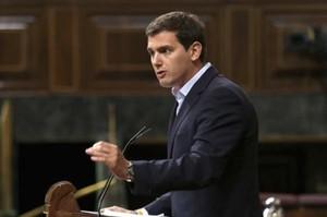 """Rivera qualifica d'""""indecent"""" l'actitud """"equidistant"""" de Sánchez a Catalunya"""