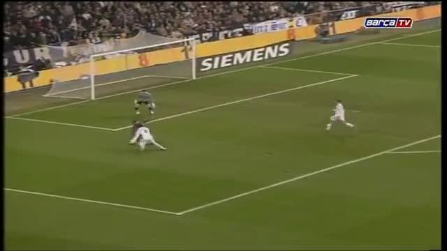 Ronaldinho salió aplaudido del Santiago Bernabéu hace 10 años