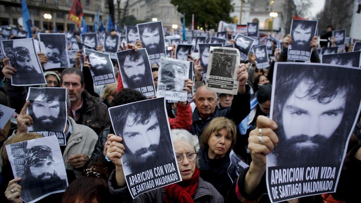 Manifestación en Buenos Aires en protesta por la desaparición del activista Santiago Maldonado.
