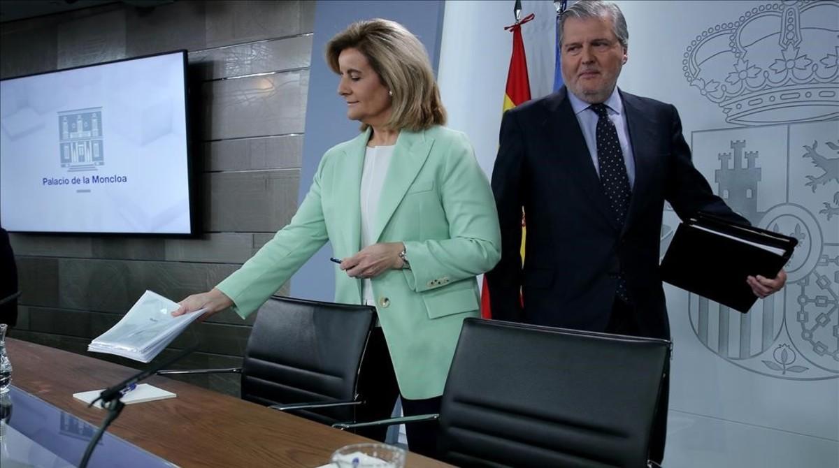 Íñigo Méndez de Vigo y Fátima Bañez en la rueda de prensa posterior al Consejo de Ministros.