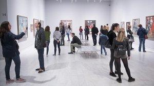 Visitantes en el museo Picasso.