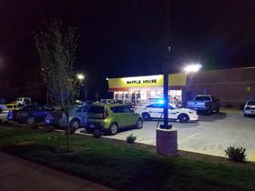 Almenys tres morts en un tiroteig en un restaurant de Tennessee