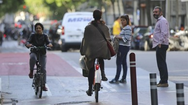 El RACC cuestiona los carriles bici de doble sentido