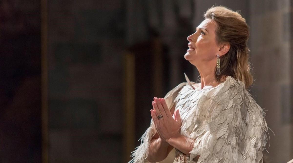 Ainhoa Arteta, durante su actuación en la iglesia del Carme de Peralada el pasado verano.