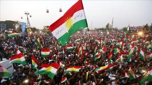 Manifestantes kurdos participan en una manifestación a favor del referéndum del Kurdistán iraquí.