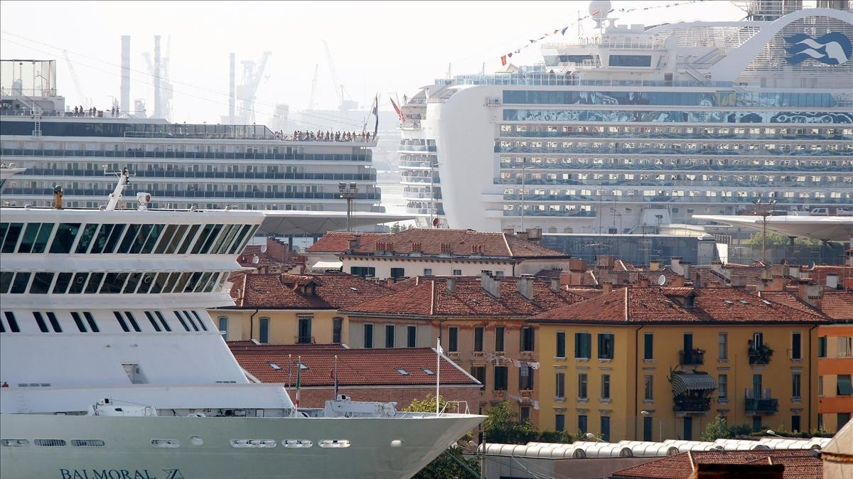 Itàlia restringeix l'entrada de creuers a Venècia