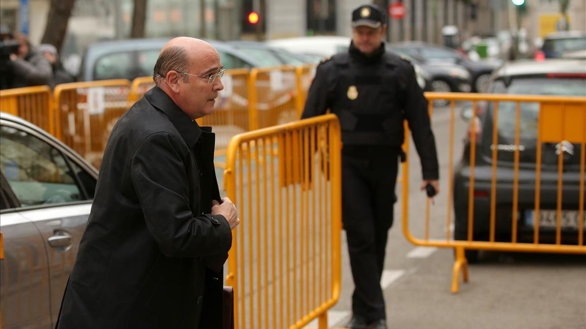 El coronel de la Guardia Civil Diego Pérez de los Cobos a su llegada al Tribunal Supremo para declarar como testigo en la causa por rebelión.