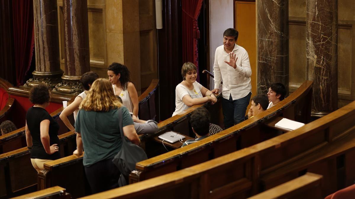 Diputados de ERC, entre ellos Sergi Sabrià, el 18 de julio en el Parlament.