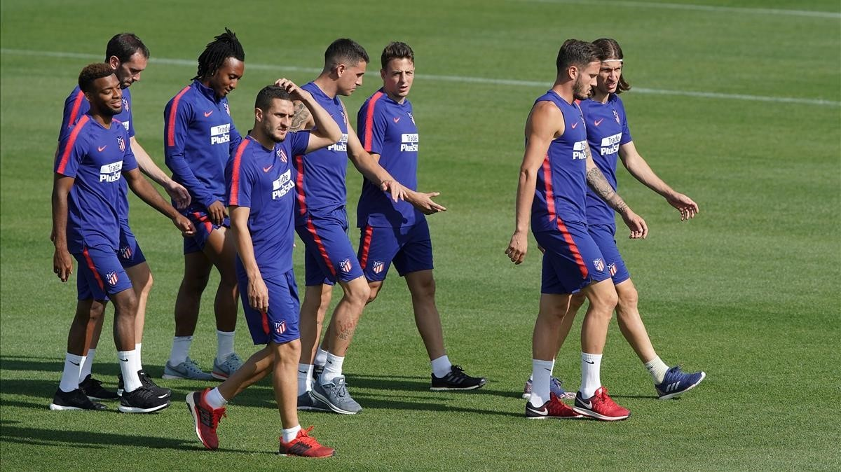 Lemar, Godín, Martins, Koke, Giménez, Arias, Saúl y Felipe Luis.