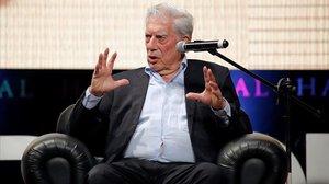 Vargas Llosa, al Perú entre la seva filla Morgana i Isabel Preysler