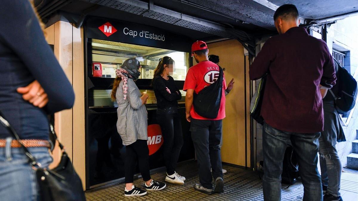 Un centenar de carteristes actuen cada dia al metro