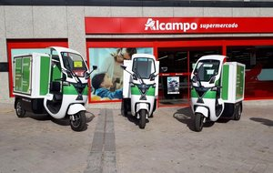 Revoolt, que trabaja con la red de supermercados Alcampo, usa ya el vehículo 'Scoobic'.