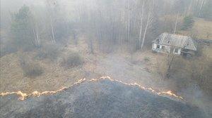 Un incendi arrasa la zona d'exclusió al voltant de Txernòbil