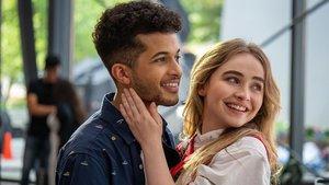 Jordan Fisher y Sabrina Carpenter en 'Work it: Al ritmo de los sueños'.