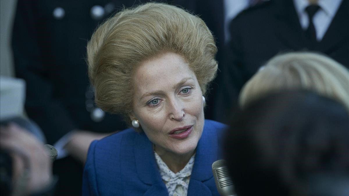 Gillian Anderson como Margaret Thatcher en 'The crown'.