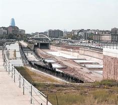 Zona de obras de la macroestación de La Sagrera sin actividad.