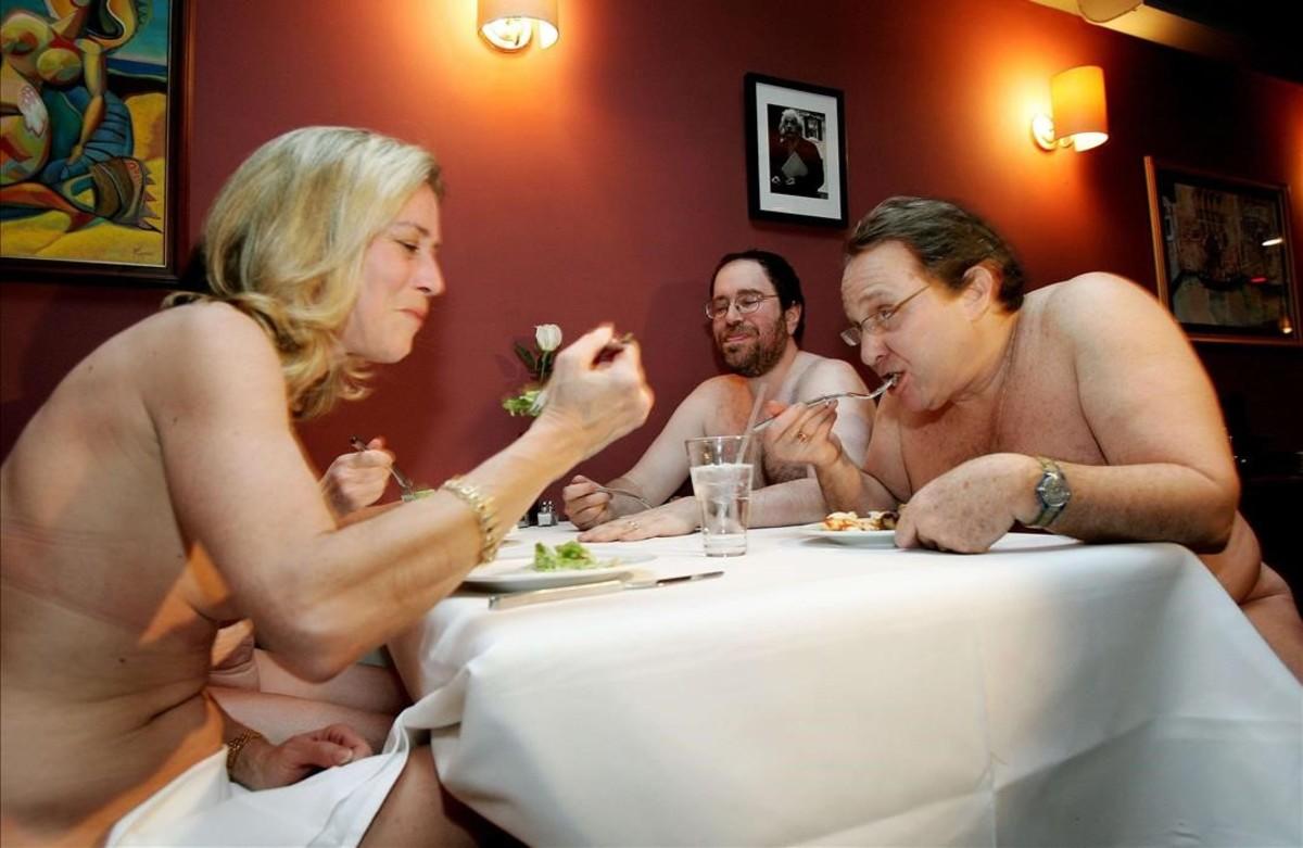 Gente desnuda vestuario Nude Photos 51