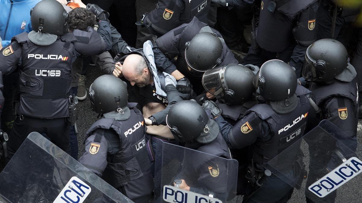 zentauroepp40371566 barcelona 01 10 2017 politica referendum 1 o elecciones la 171001164722