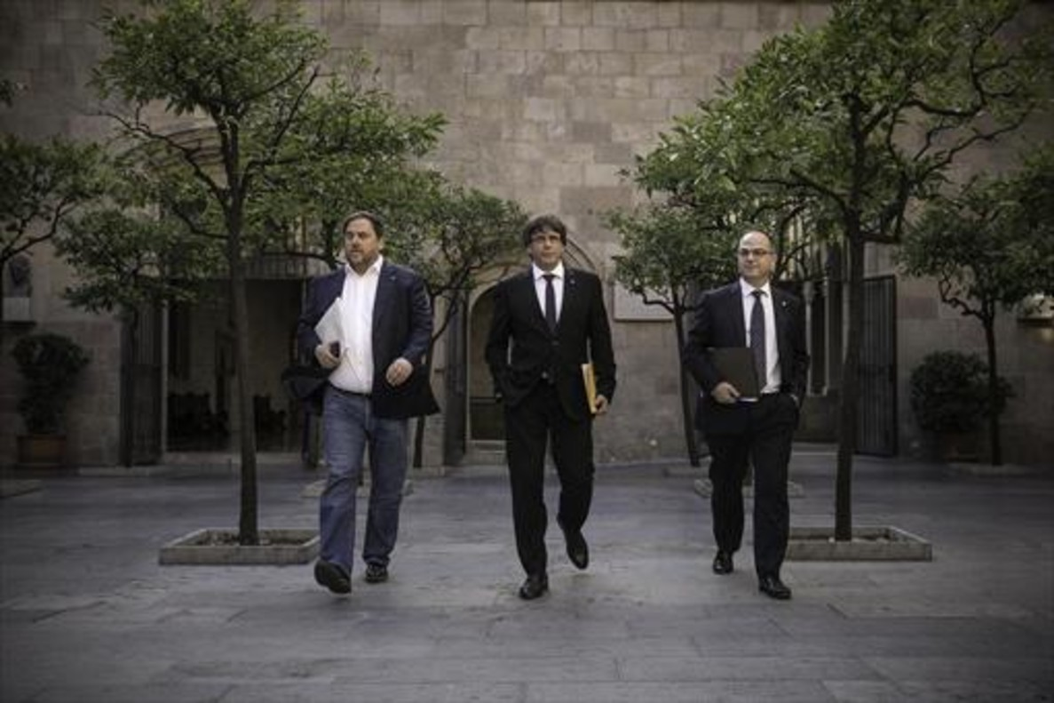 Junqueras y Puigdemont, el 10 de octubre en el Palau de la Generalitat.