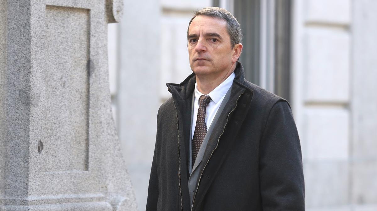 El jefe de la Comisaría Superior de Coordinación Central de los Mossos, Joan Carles Molinero, llega al Tribunal Supremo, este martes.