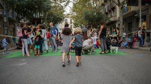 Actividades infantiles en plena calle, en la pasada edición de la Semana Europea de la Movilidad, en Barcelona.