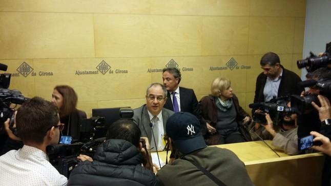Albert Ballesta, en la rueda de prensa en la que ha anunciado su dimisión como alcalde de Girona.