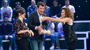 Arturo Valls, con Silvia Abril y Toni Acosta en 'Me resbala'.