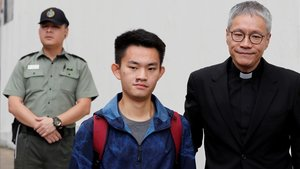El asesino Chan tong kai, origen de las protestas en Hong Kong, sale de prisión.