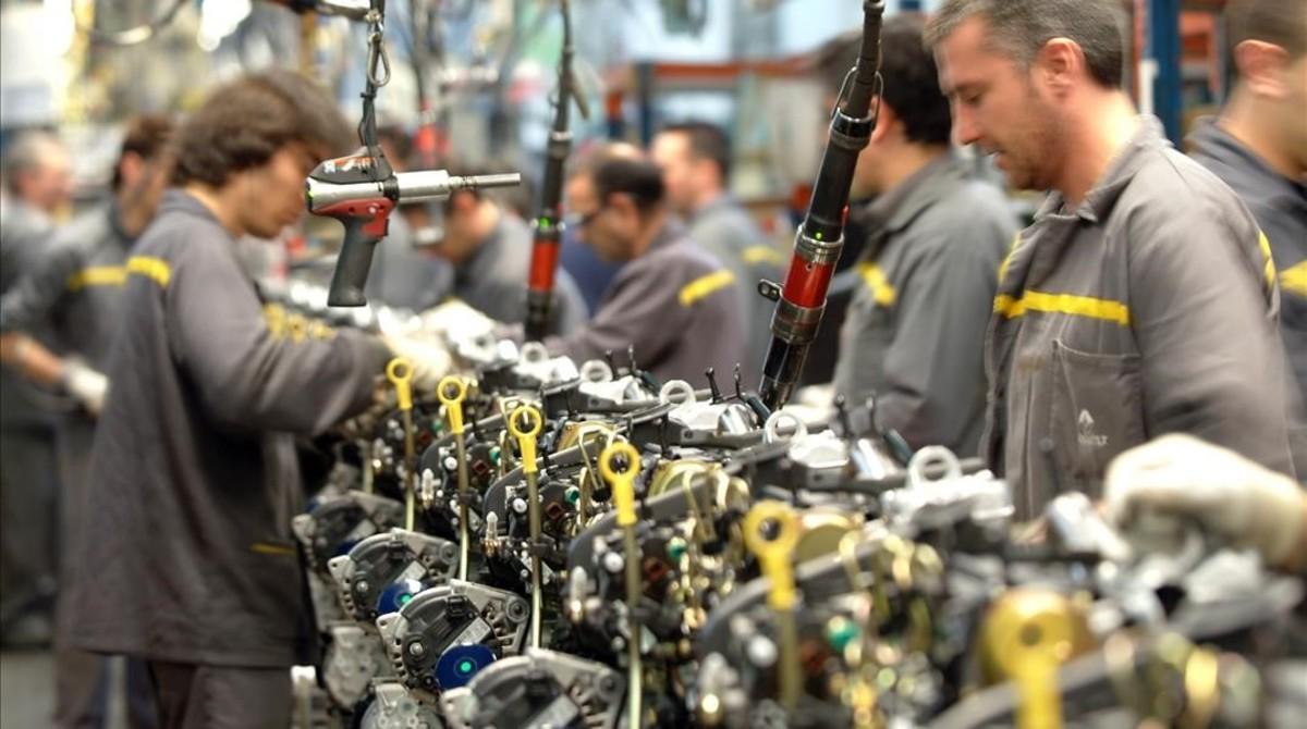 Cadena de montaje de una planta de fabricación de automóviles.