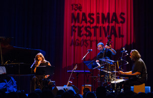 La cantante mallorquina Maria del Mar Bonet durante el espectáculo Homenatges.