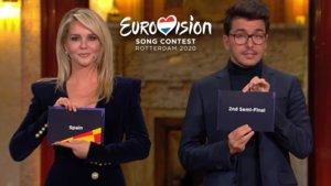 Chantal Janzen y Jan Smit en el sorteo de semifinales de Eurovisión 2020.
