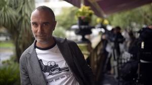 El cineasta Jo Sol, en San Sebastián, donde presentó 'Vivir y otras ficciones'