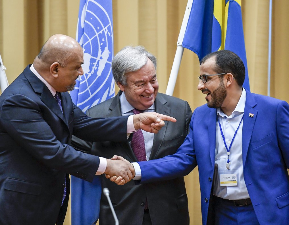 Head of delegation for rebel forces known as HouthisMohammed Abdulsalamrightand Yemen Foreign Minister Khaled al-Yamanleftshake hands together with UN Secretary Geleral Antonio Guterresduring the Yemen peace talks closing press conference at the Johannesberg castle in Rimbo north of StockholmSweden.Pontus Lundahl TT News agency via AP