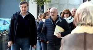 El director del colegio Mossèn Albert Vives, junto al director de los Serveis Territorials deEnsenyament en Lleida, Miquel Àngel Cullerés.