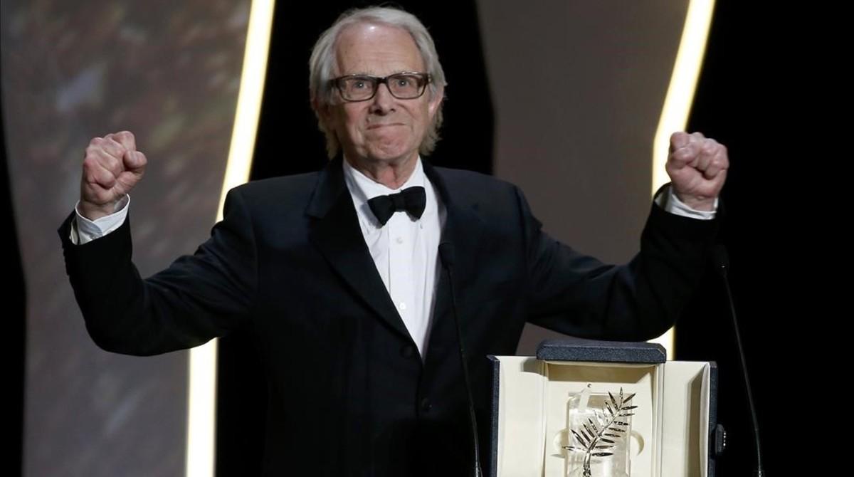 Ken Loach, tras recibir la Palma de Oro, en la gala de clausura del festival de Cannes.