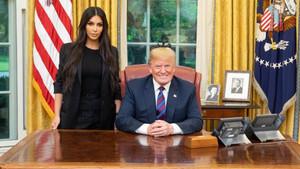 Donald Trump ha dibundido en Twitter una imagen de su gran reunión con Kim Kardashian en la Casa Blanca.