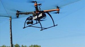 Un dron en la Fira de San Miquel en Lleida.