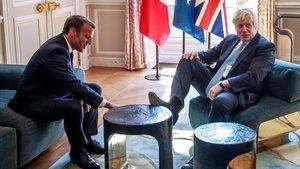 Emmanuel Macron, durante la reunión con el primer ministro británico, Boris Johnson.
