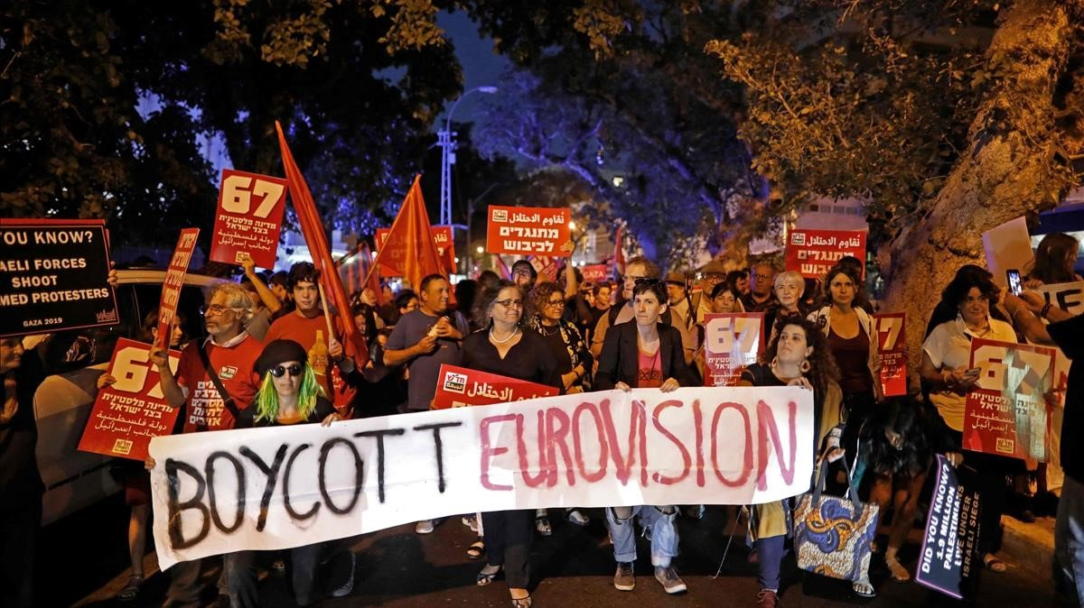 Cientos de israelís se manifiestan en Tel Avic con motivo de Eurovisión 2019.