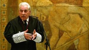El exconseller Agustí Bassols, en una imagen del 2004, durante su toma de posesión como miembro del Consell Consultiu de la Generalitat.