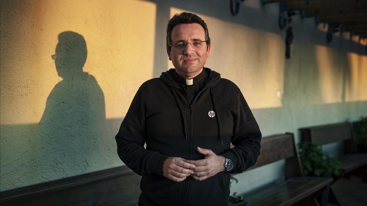 Felipe Simón: «Són invisibles: nosaltres passem i no els mira ningú»