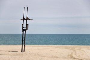 Mataró interpreta restrictivament la normativa d'ús de platges i fixa una distància interpersonal de 4 metres
