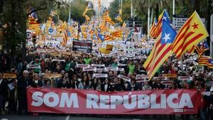 Imagen de la manifestación convocada por la ANC y Òmnium para exigir la liberación de los políticos presos, el pasado 11 de noviembre, en Barcelona.