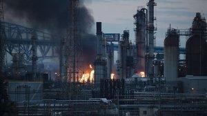 El incendio de la refinería en Filadelfia.