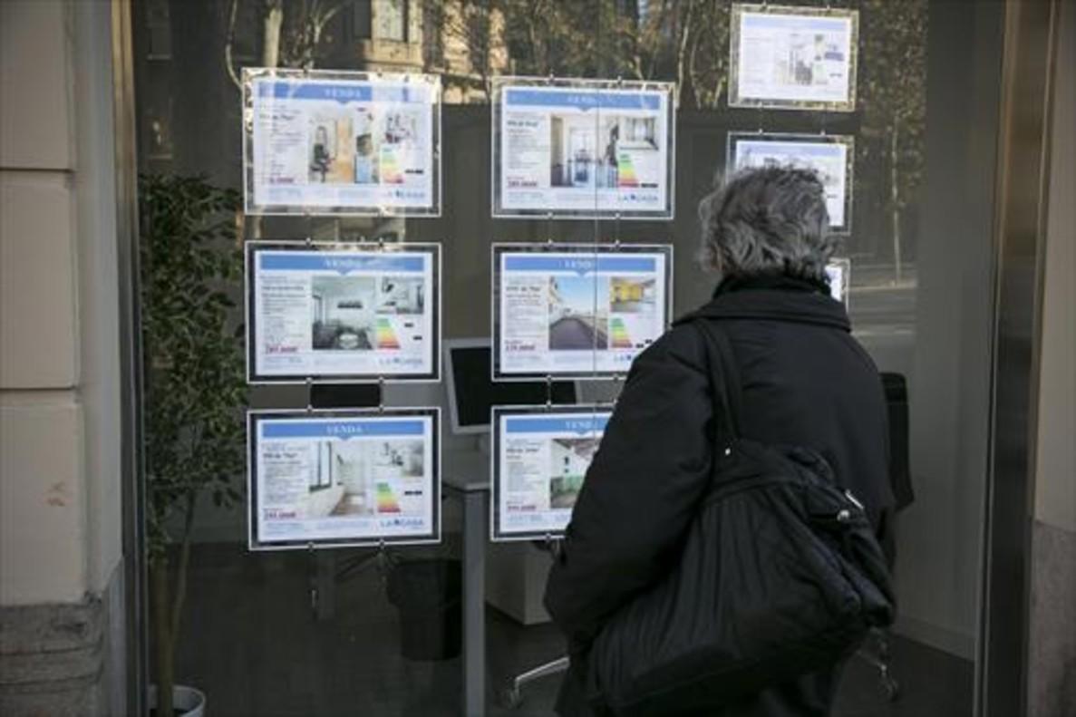 Inmobiliaria de compraventa de pisos y locales en el Eixample de Barcelona.